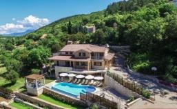 Velika vila u blizini Rapca – PRILIKA ZA INVESTITORE